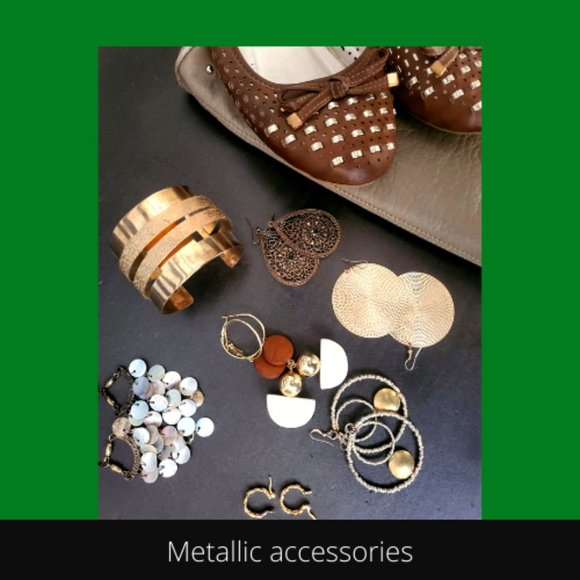 accessories that coordinate with the capsule